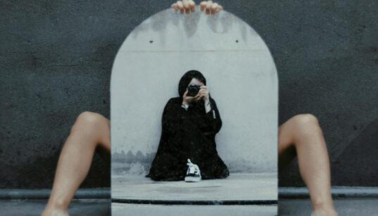 [L'œil écoute] De quoi le miroir est-il le reflet ?